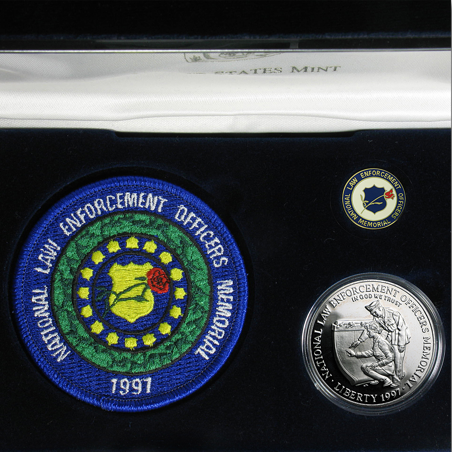1997-P Law Enforcement $1 Silver Commem Proof (w/Patch & Pin)